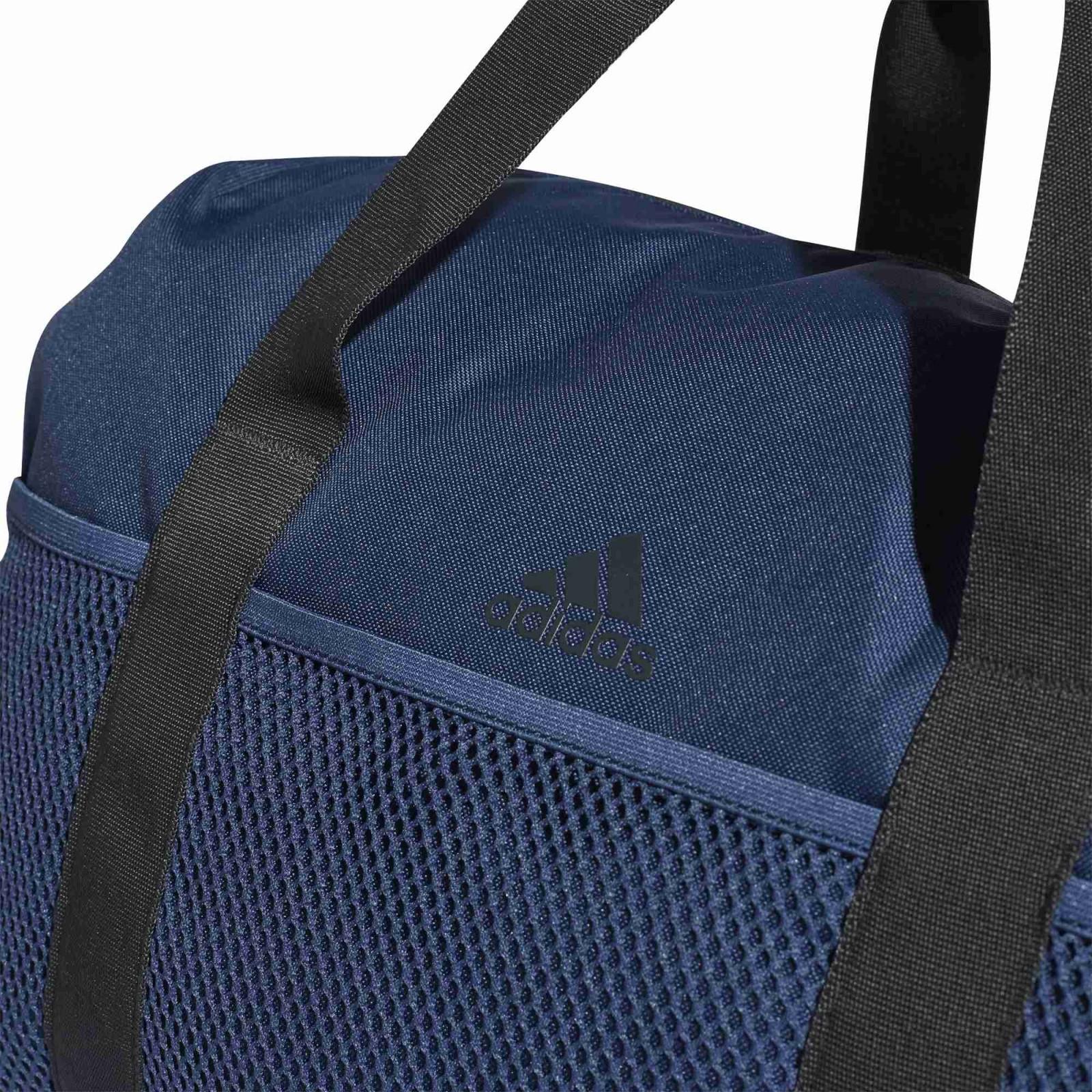 56a208535 Dámská Taška adidas Performance W TR CO DUF M | D-Sport