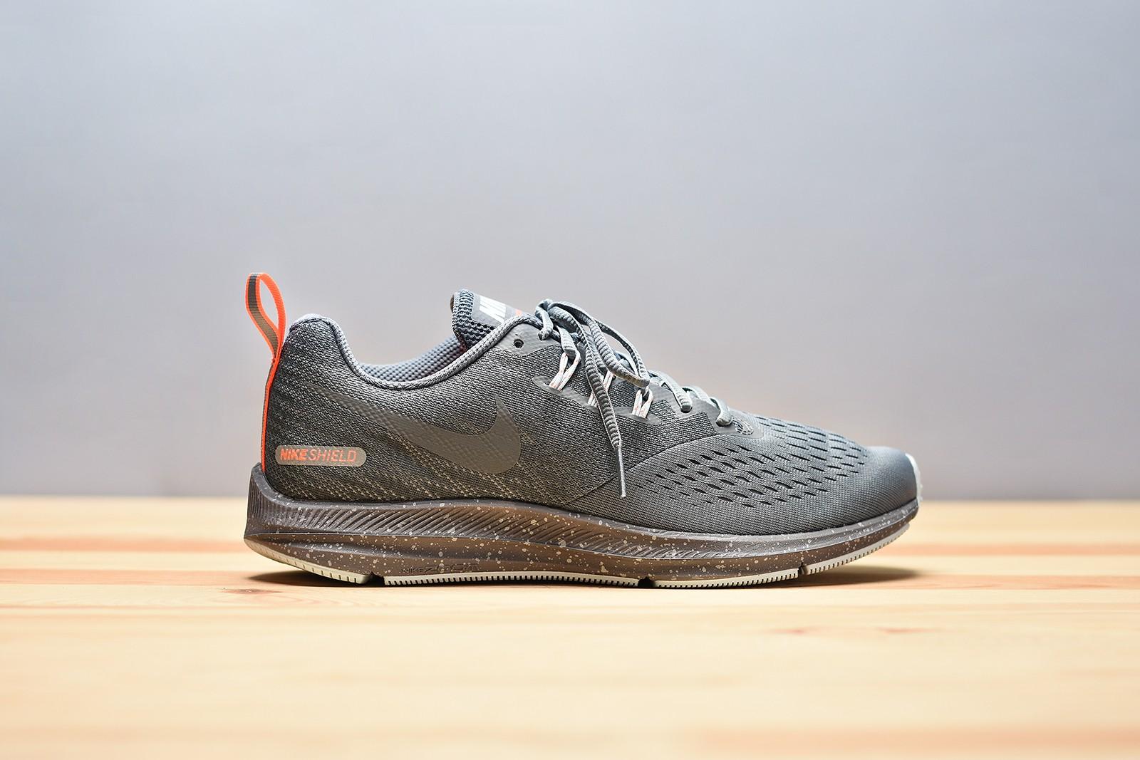 new style 207b5 dd37d Dámské Běžecké boty Nike WMNS ZOOM WINFLO 4 SHIELD