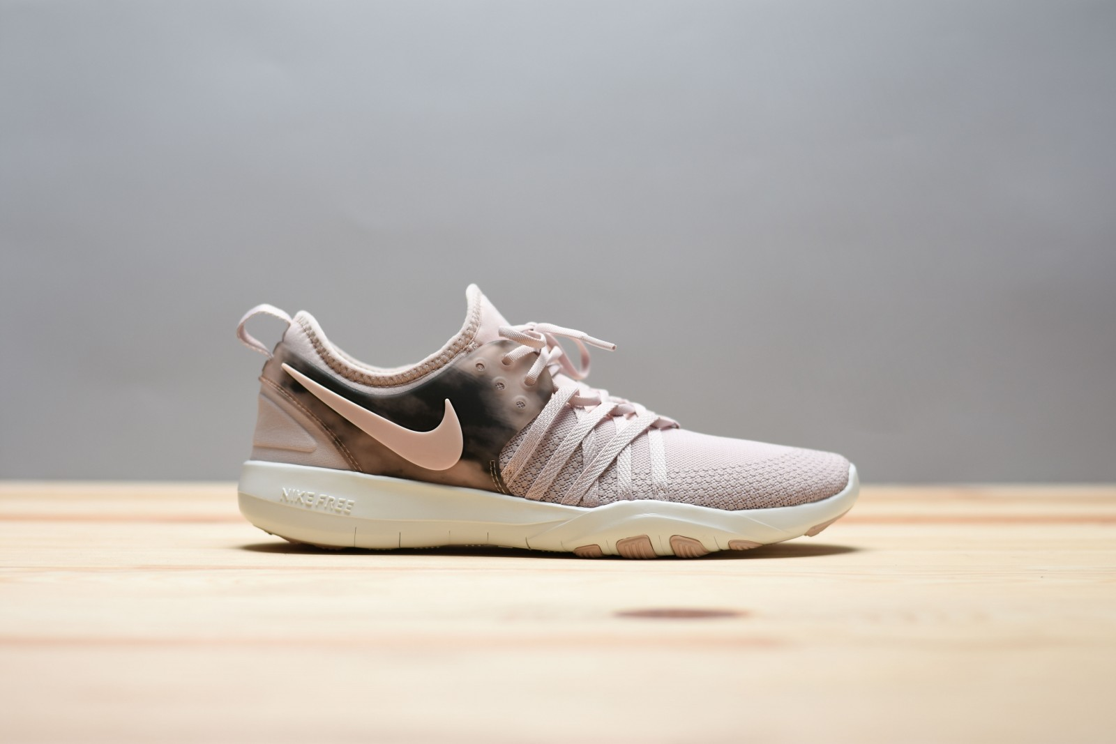 Dámské fitness boty Nike WMNS FREE TR 7 AMP  f71e2825b8