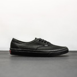 UA AUTHENTIC BlackBlack