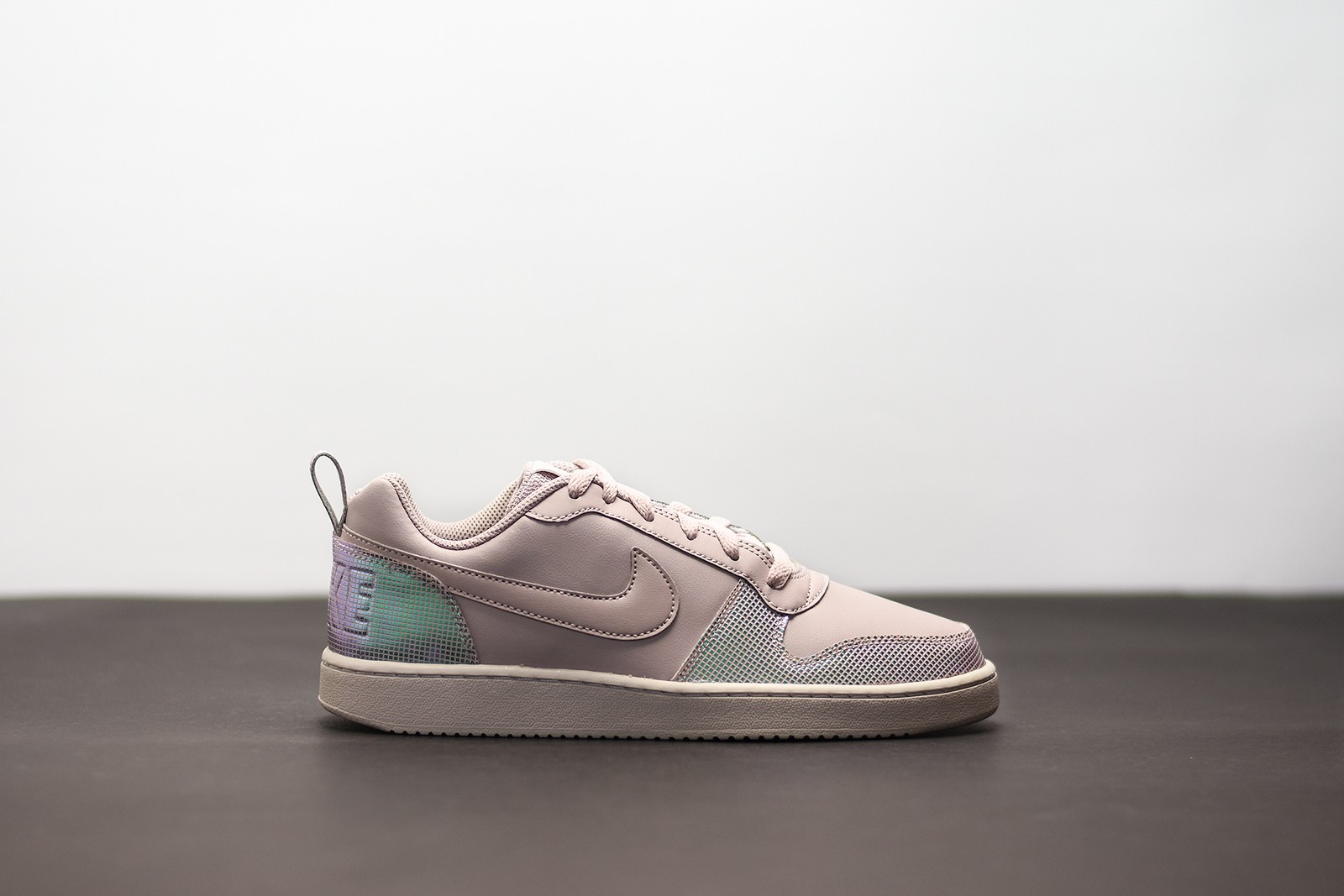 WMNS NIKE COURT BOROUGH SE